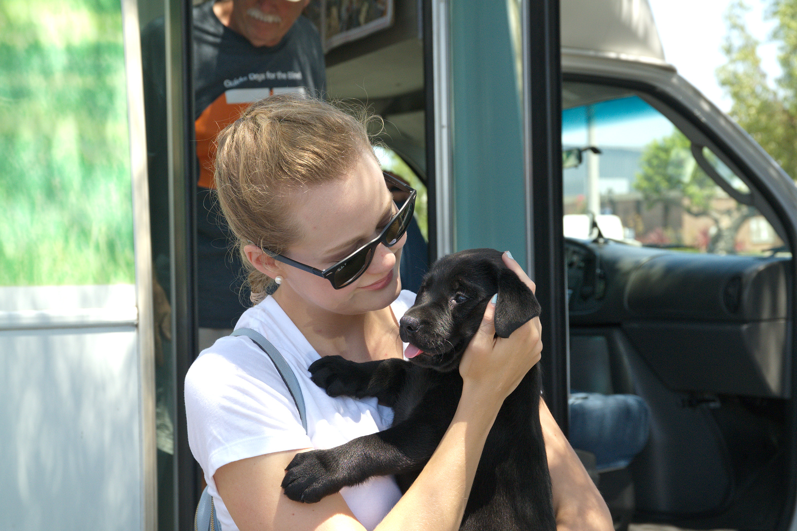 Kelsea with Jess at the Puppy truck