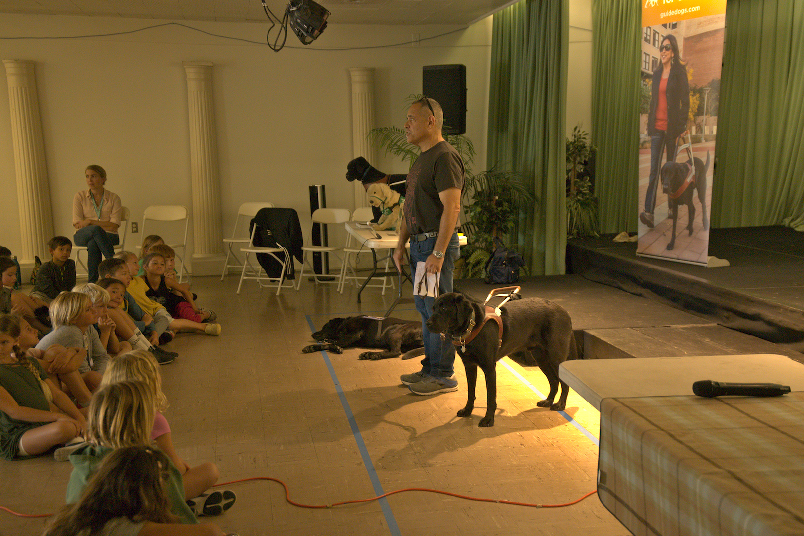 Presentation: working with a dog